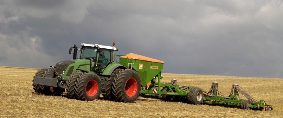 Под урожай 2015 года на Ставрополье приобрели 2500 единиц сельхозтехники