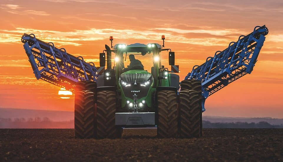 Колесный трактор Fendt 1050 Vario